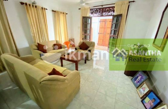 02 Story House With 8 P Sale At Templers Road Mount Lavinia